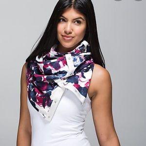Lululemon  floral scarf vinyasa